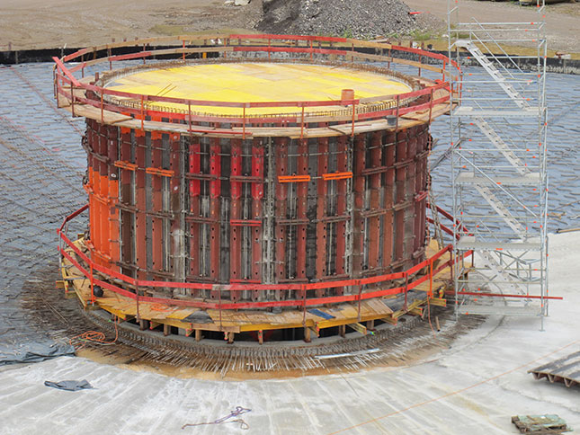 Circular center structure with TTR formwork