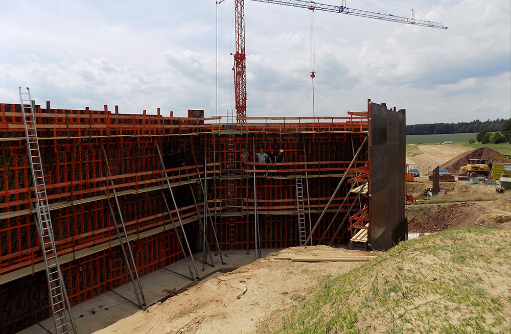 Construction work for bridge structure