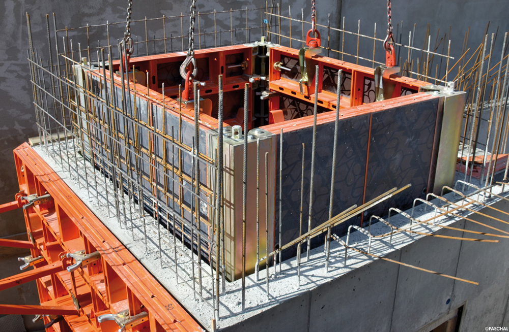 formwork for lift shafts, dismantling inside corner post