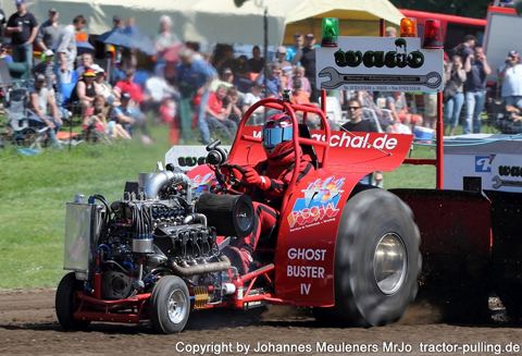 Ghost Buster Team beim Tractor-Pulling